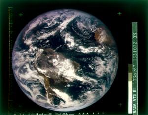 Erstes Farbfoto der ganzen Erde, aufgenommen vom Satelliten ATS-3 am 10.11.1967